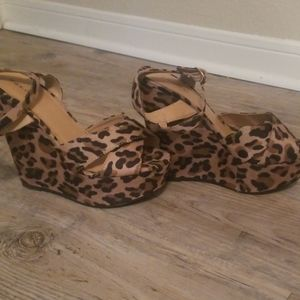 Leapord open toe wedges